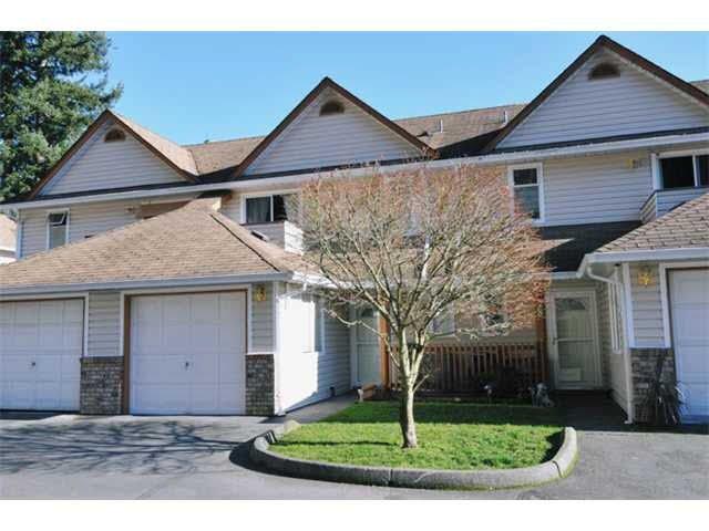 "Main Photo: 27 20699 120B Avenue in Maple Ridge: Northwest Maple Ridge Townhouse for sale in ""THE GATEWAY"" : MLS®# V1076390"