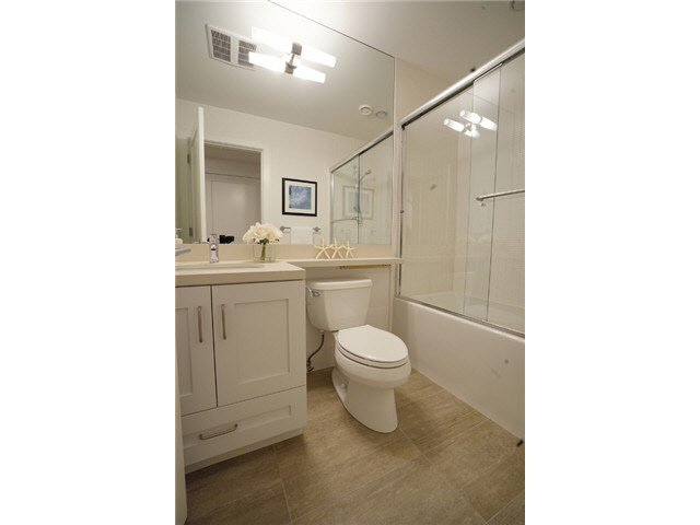 Photo 10: Photos: 4268 Inverness Street in Vancouver: Knight House 1/2 Duplex for sale (Vancouver East)  : MLS®# V1130624