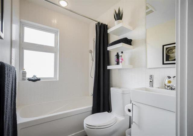 Photo 13: Photos: 4268 Inverness Street in Vancouver: Knight House 1/2 Duplex for sale (Vancouver East)  : MLS®# V1130624