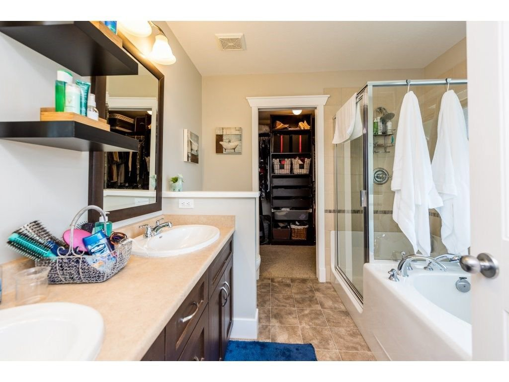 Photo 13: Photos: 19596 THORBURN WAY in Pitt Meadows: South Meadows House for sale : MLS®# R2292251