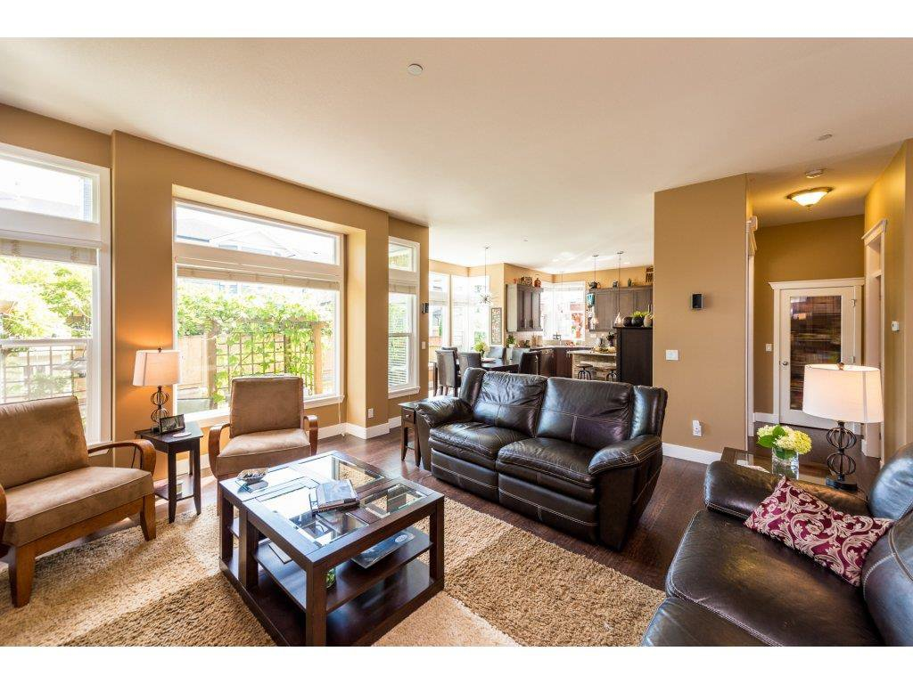 Photo 5: Photos: 19596 THORBURN WAY in Pitt Meadows: South Meadows House for sale : MLS®# R2292251