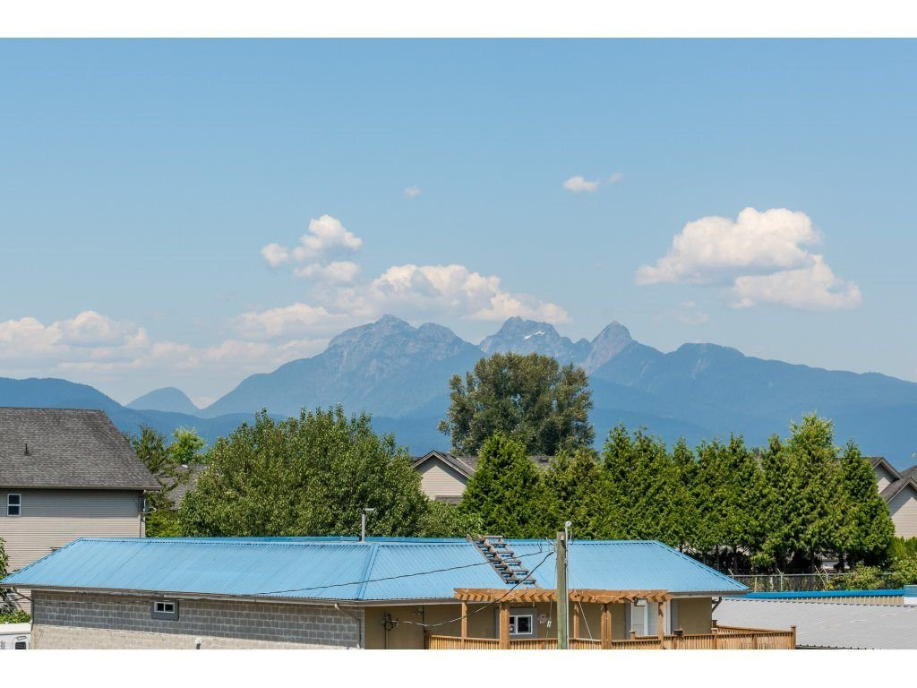 Photo 17: Photos: 19596 THORBURN WAY in Pitt Meadows: South Meadows House for sale : MLS®# R2292251