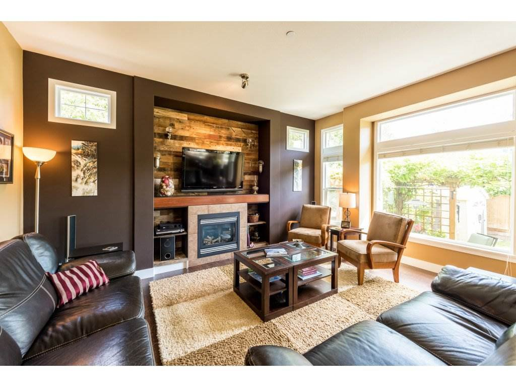 Photo 4: Photos: 19596 THORBURN WAY in Pitt Meadows: South Meadows House for sale : MLS®# R2292251