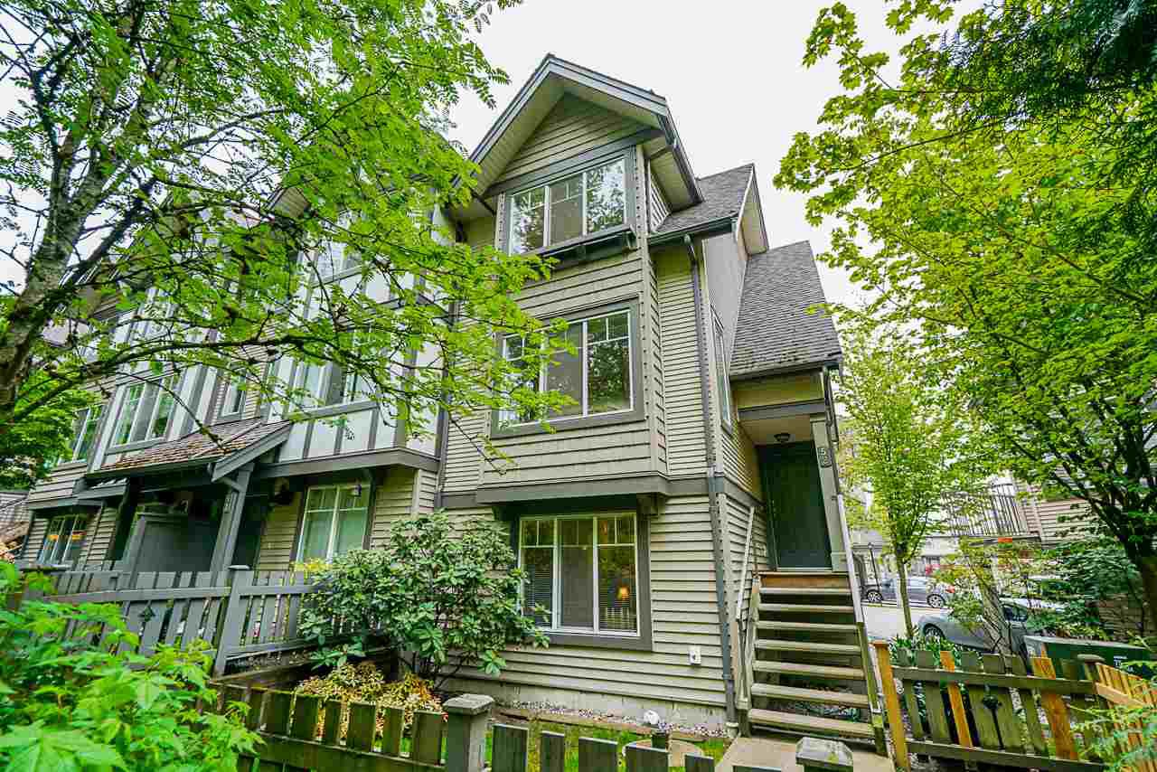 """Main Photo: 52 20038 70 Avenue in Langley: Willoughby Heights Townhouse for sale in """"Daybreak"""" : MLS®# R2452614"""