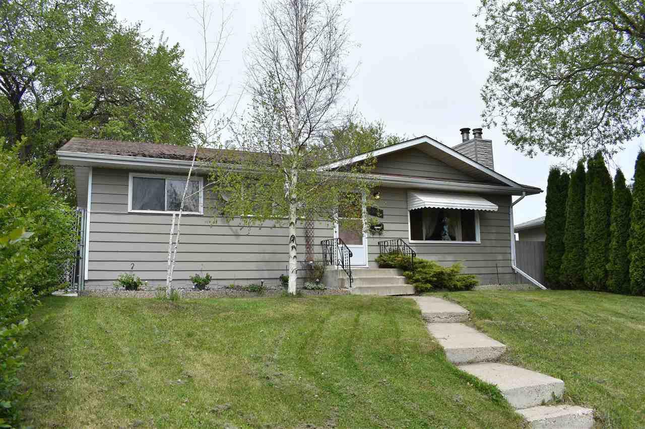 Main Photo: 3012 105 Avenue in Edmonton: Zone 23 House for sale : MLS®# E4198282