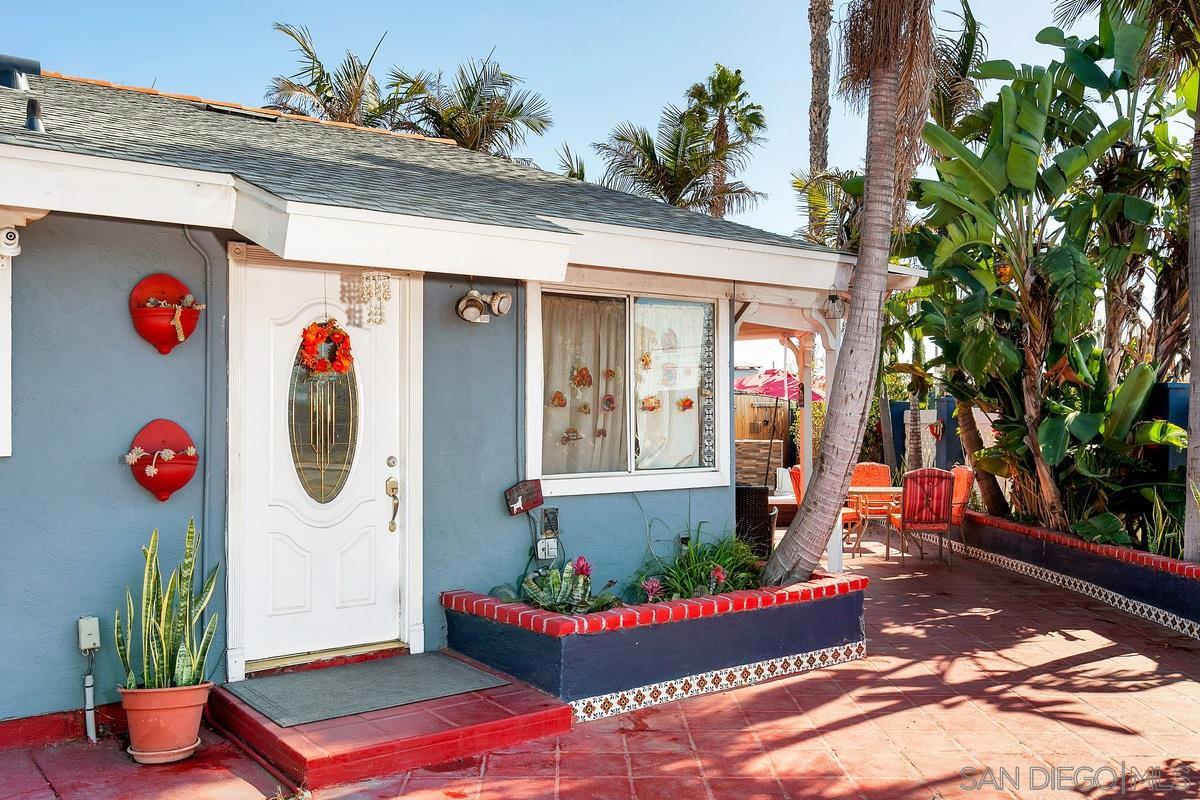 Main Photo: SAN YSIDRO House for sale : 3 bedrooms : 3718 Beyer Blvd