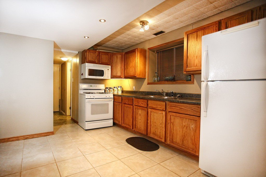 """Photo 14: Photos: 32865 12TH Avenue in Mission: Mission BC House for sale in """"CEDAR/CADE BARR"""" : MLS®# F1304927"""
