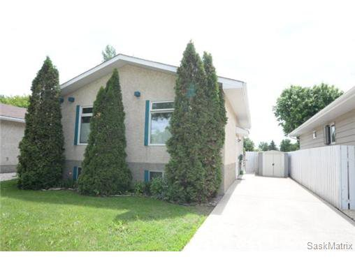 Main Photo: 1307 12TH Avenue North in Regina: Uplands Single Family Dwelling for sale (Regina Area 01)  : MLS®# 503578