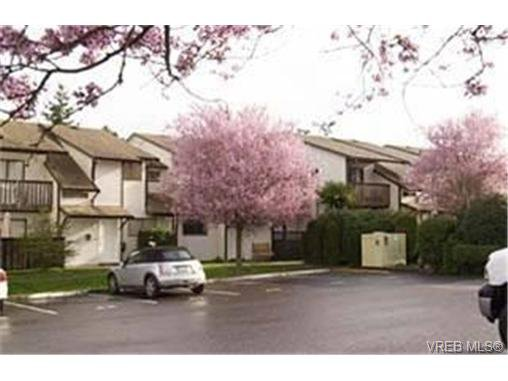 Main Photo: 27 1506 Admirals Rd in VICTORIA: VR Glentana Row/Townhouse for sale (View Royal)  : MLS®# 456657