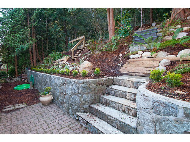 Photo 20: Photos: 2045 CLIFFWOOD RD in North Vancouver: Deep Cove House for sale : MLS®# V1106333