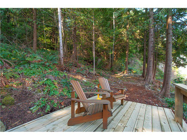 Photo 19: Photos: 2045 CLIFFWOOD RD in North Vancouver: Deep Cove House for sale : MLS®# V1106333