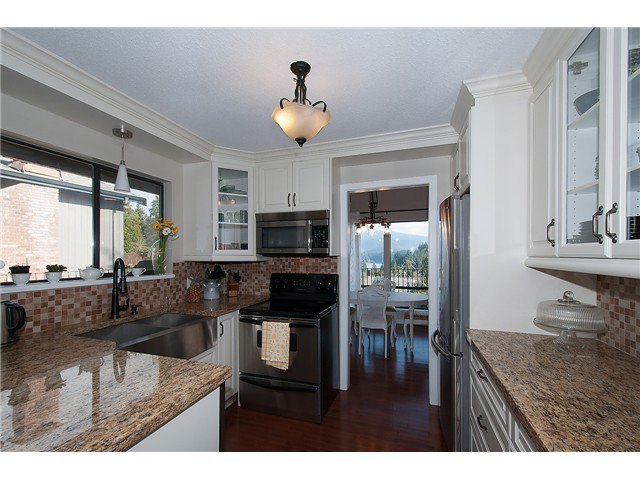 Photo 6: Photos: 2045 CLIFFWOOD RD in North Vancouver: Deep Cove House for sale : MLS®# V1106333