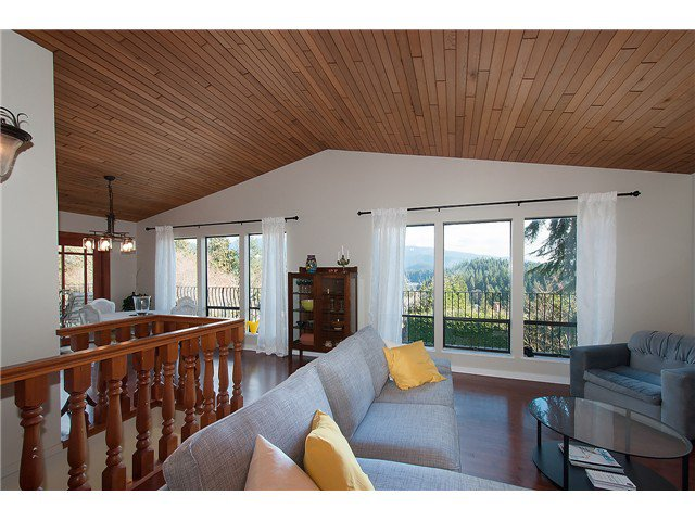 Photo 2: Photos: 2045 CLIFFWOOD RD in North Vancouver: Deep Cove House for sale : MLS®# V1106333