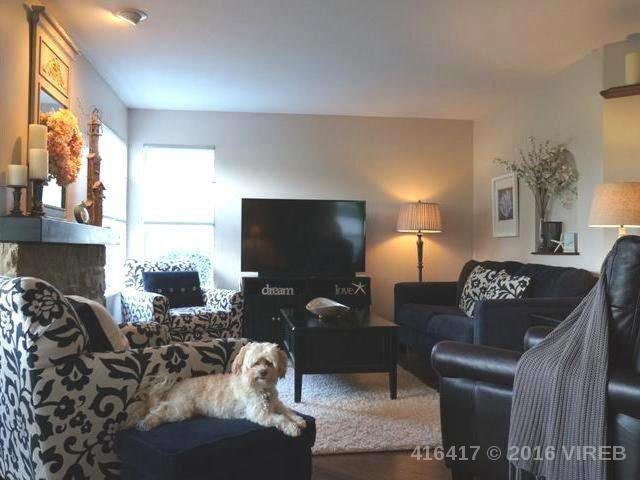 Main Photo: 555 FAIRWAYS PLACE in COBBLE HILL: Z3 Cobble Hill Half Duplex for sale (Zone 3 - Duncan)  : MLS®# 416417