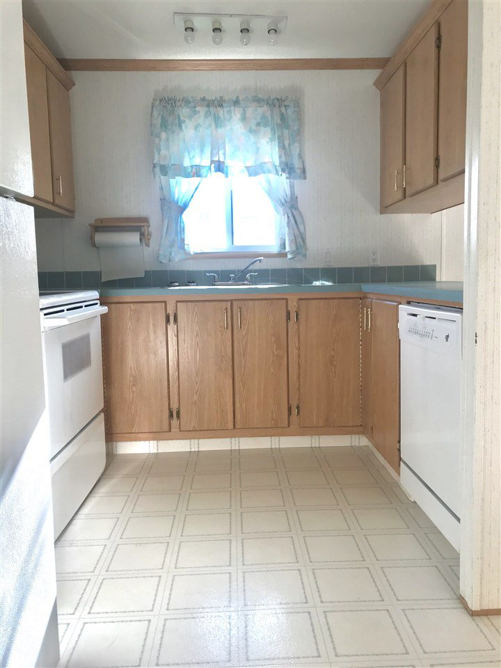 Photo 6: Photos: 39 1000 INVERNESS Road in Prince George: Aberdeen PG Manufactured Home for sale (PG City North (Zone 73))  : MLS®# R2416632