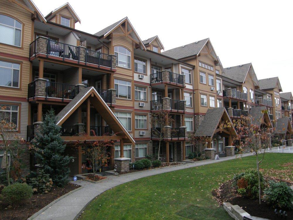 Main Photo: 205 12565 190A Street in CEDAR DOWNS: Home for sale : MLS®# r2207991