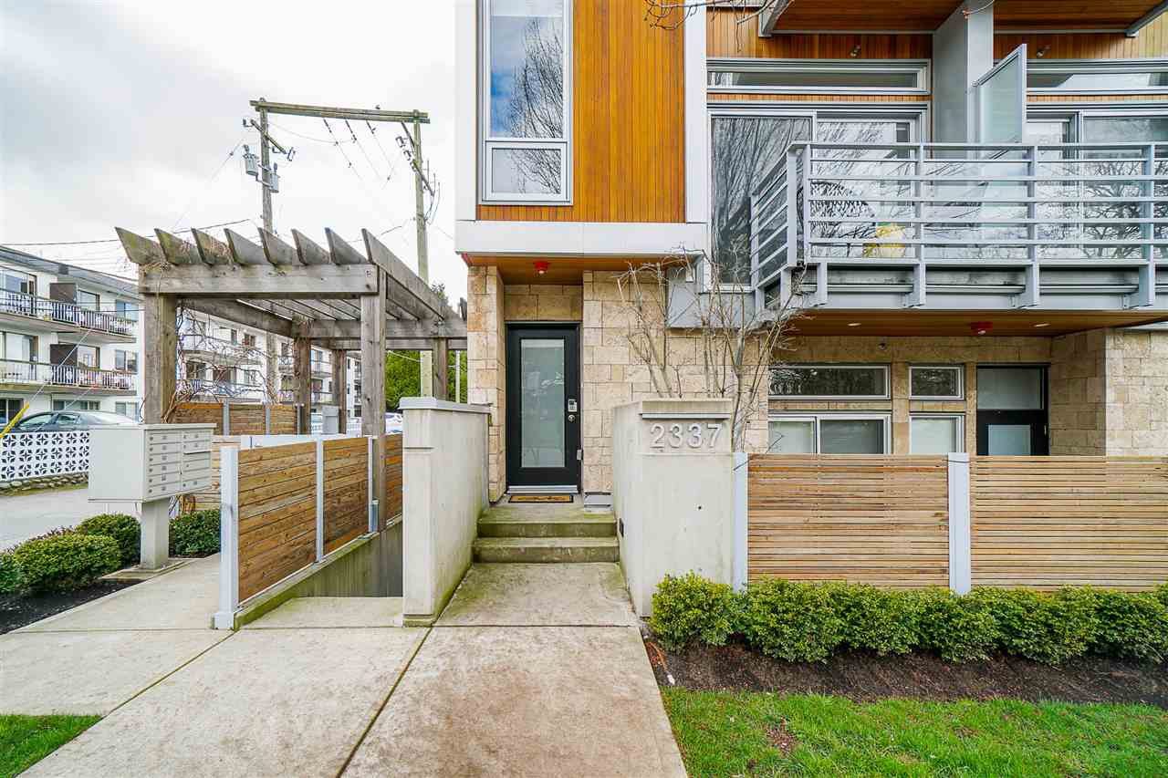 "Main Photo: 2337 BRUNSWICK Street in Vancouver: Mount Pleasant VE Townhouse for sale in ""9 ON THE PARK"" (Vancouver East)  : MLS®# R2448860"