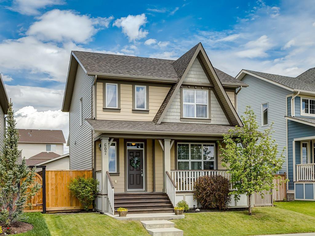 Main Photo: 607 New Brighton Drive SE in Calgary: New Brighton Detached for sale : MLS®# C4299788