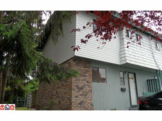 "Main Photo: 65 10800 152ND Street in Surrey: Bolivar Heights Townhouse for sale in ""WOODBRIDGE ESTATES"" (North Surrey)  : MLS®# F1214918"