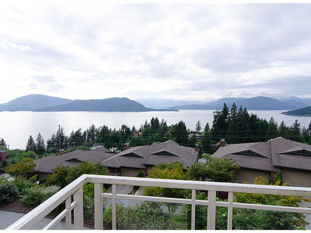 """Photo 1: Photos: 8522 SEASCAPE Court in West Vancouver: Howe Sound Townhouse for sale in """"SEASCAPES"""" : MLS®# V964816"""
