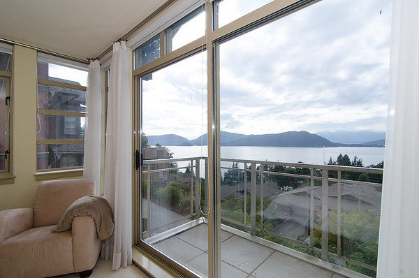 """Photo 7: Photos: 8522 SEASCAPE Court in West Vancouver: Howe Sound Townhouse for sale in """"SEASCAPES"""" : MLS®# V964816"""