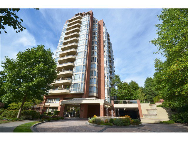Main Photo: 801 160 W KEITH Road in North Vancouver: Central Lonsdale Condo for sale : MLS®# V989160