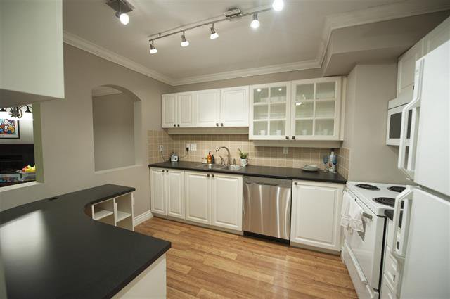 Photo 7: Photos: 302 3733 NORFOLK Street in North Burnaby: Central BN Condo for sale (Burnaby North)  : MLS®# R2104692
