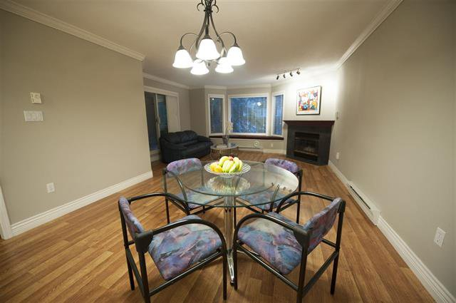 Photo 5: Photos: 302 3733 NORFOLK Street in North Burnaby: Central BN Condo for sale (Burnaby North)  : MLS®# R2104692