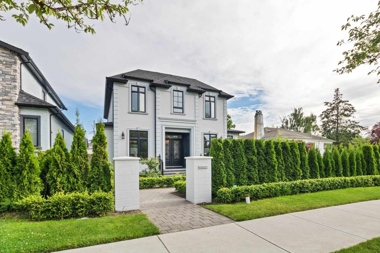 Main Photo: 2580 W 16TH Avenue in Vancouver: Arbutus House for sale (Vancouver West)  : MLS®# R2471054
