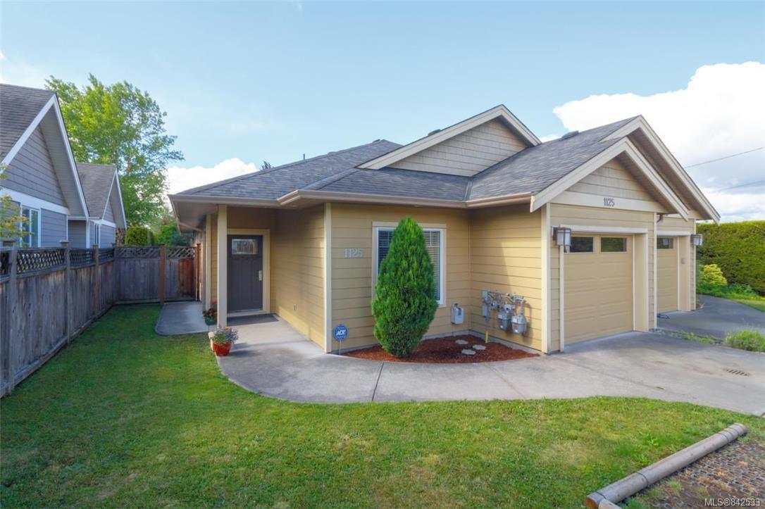 Main Photo: 1125 Verdier Ave in Central Saanich: CS Brentwood Bay Half Duplex for sale : MLS®# 842533