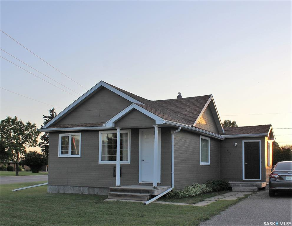 Main Photo: 503 4th Street East in Wilkie: Residential for sale : MLS®# SK819112