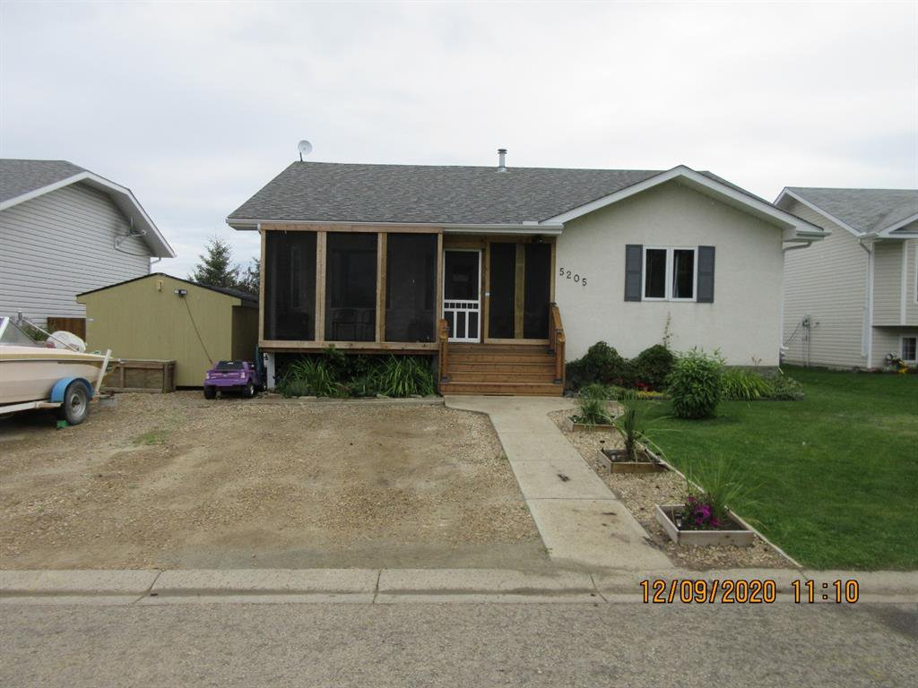 Main Photo: 5205 45 Street in Rimbey: NONE Residential for sale : MLS®# A1033139