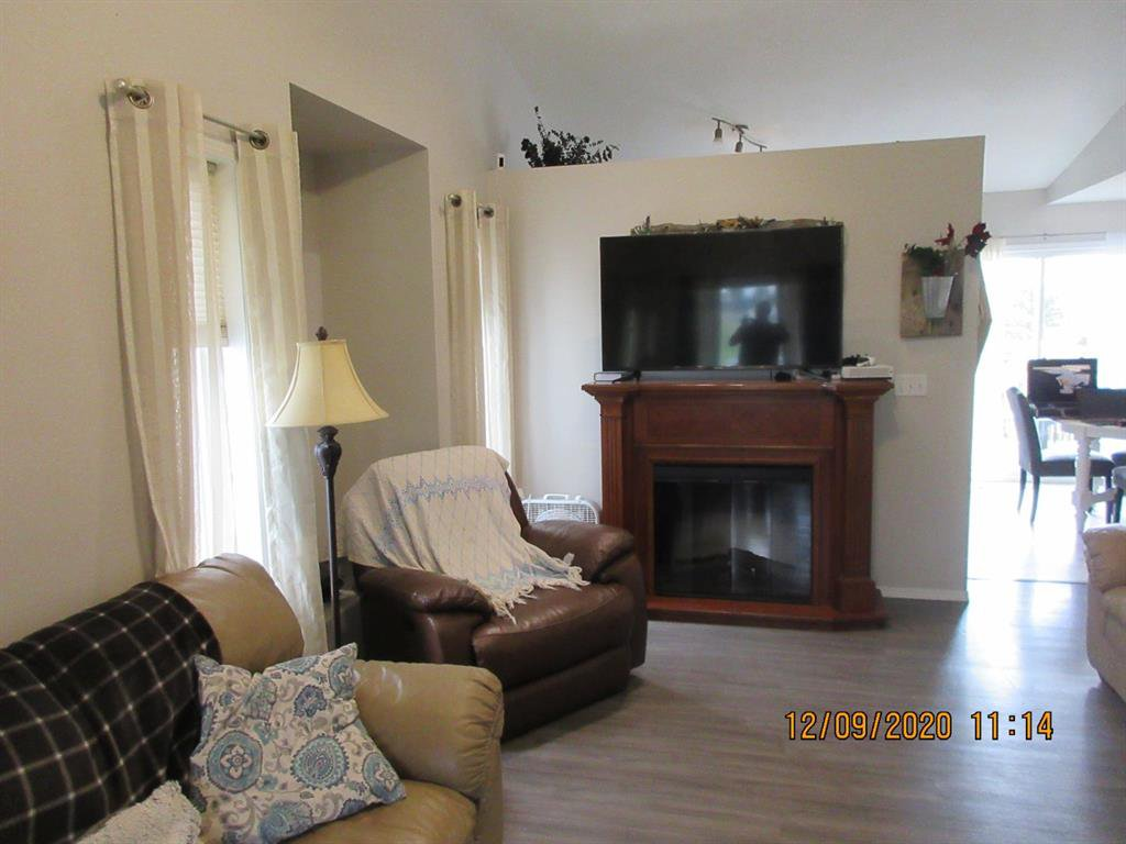 Photo 6: Photos: 5205 45 Street in Rimbey: NONE Residential for sale : MLS®# A1033139