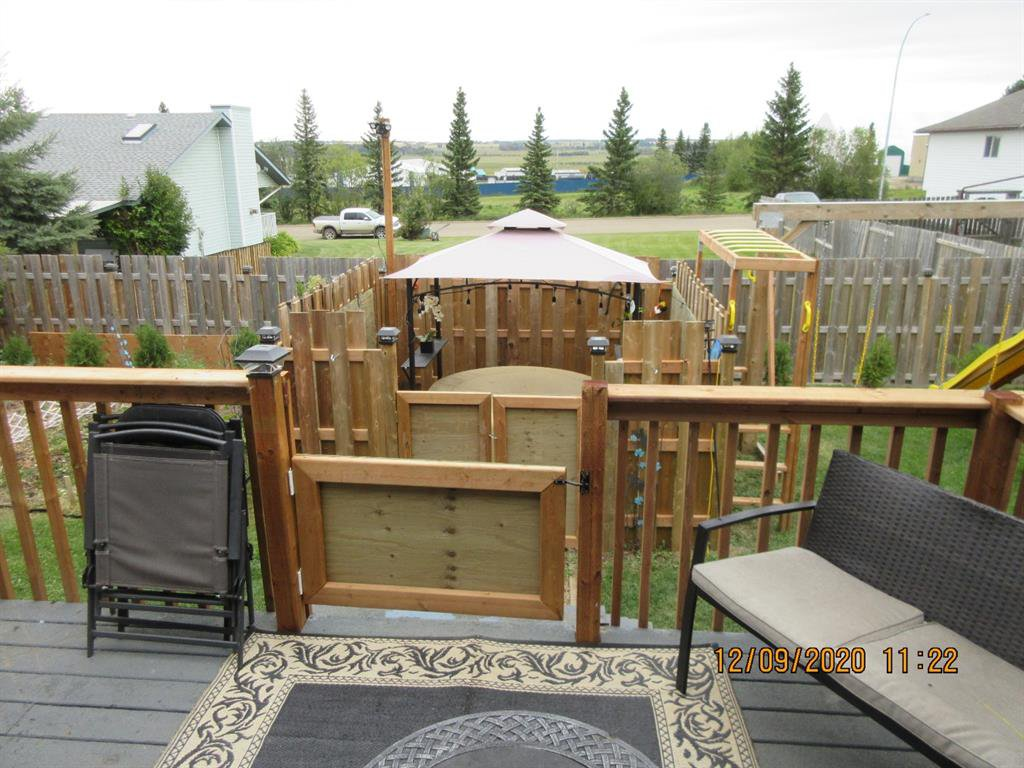 Photo 3: Photos: 5205 45 Street in Rimbey: NONE Residential for sale : MLS®# A1033139