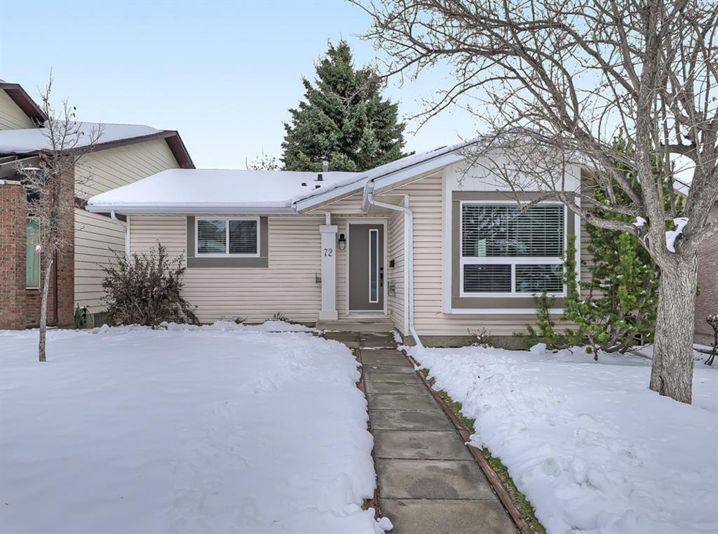 Main Photo: 72 Strathcona Close SW in Calgary: Strathcona Park Detached for sale : MLS®# A1045577