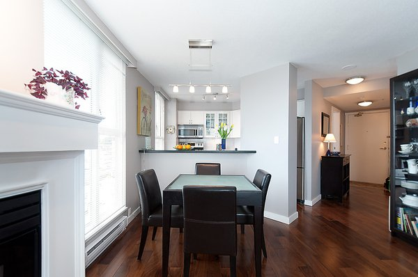 Photo 10: Photos: 805 1633 W 8TH Avenue in Vancouver: Fairview VW Condo for sale (Vancouver West)  : MLS®# V972144