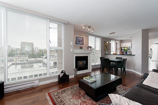 Photo 8: Photos: 805 1633 W 8TH Avenue in Vancouver: Fairview VW Condo for sale (Vancouver West)  : MLS®# V972144
