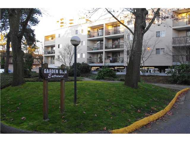 "Main Photo: 302 8391 BENNETT Road in Richmond: Brighouse South Condo for sale in ""GARDEN GLEN"" : MLS®# V995213"