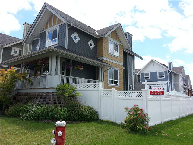"Main Photo: 280 HOLLY Avenue in New Westminster: Queensborough House for sale in ""PORT ROYAL, RED BOAT"" : MLS®# V1076901"