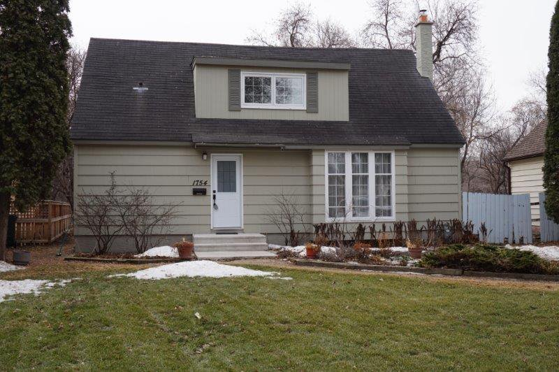 Main Photo: 1754 Assiniboine Avenue in : Bourkevale Single Family Detached for sale