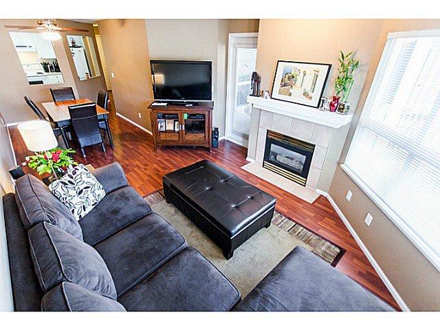 Main Photo: 426 8068 120A Street in Surrey: Queens Park Condo for sale : MLS®# F1433086