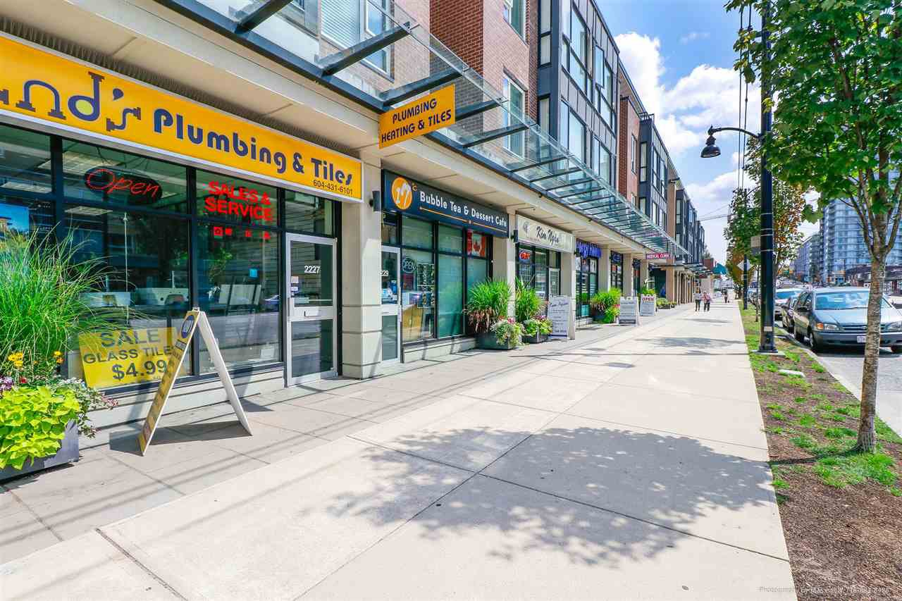 Main Photo: 58 2239 KINGSWAY in Vancouver: Victoria VE Condo for sale (Vancouver East)  : MLS®# R2393961