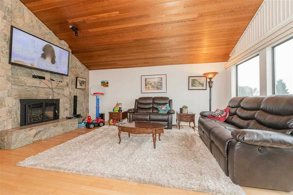 Photo 3: Photos: 2943 KEETS DRIVE in Coquitlam: Ranch Park House for sale : MLS®# R2413200
