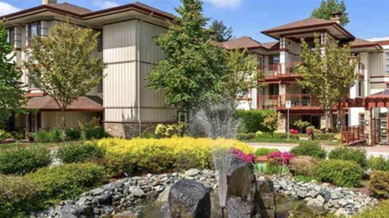 """Main Photo: 107 16421 64 Avenue in Surrey: Cloverdale BC Condo for sale in """"St. Andrews"""" (Cloverdale)  : MLS®# R2458467"""
