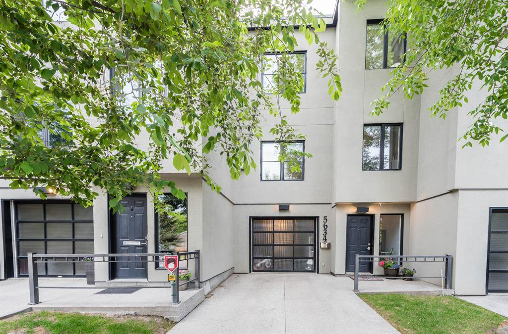 Main Photo: 5634 6 Street SW in Calgary: Windsor Park Row/Townhouse for sale : MLS®# A1040612