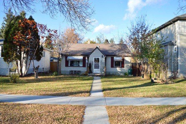 Main Photo: 8526 79 Avenue in Edmonton: Zone 17 House for sale : MLS®# E4217681