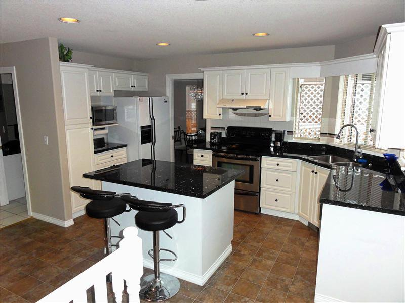 """Photo 7: Photos: 16923 103A Avenue in Surrey: Fraser Heights House for sale in """"Abbey Glen"""" (North Surrey)  : MLS®# F1228836"""