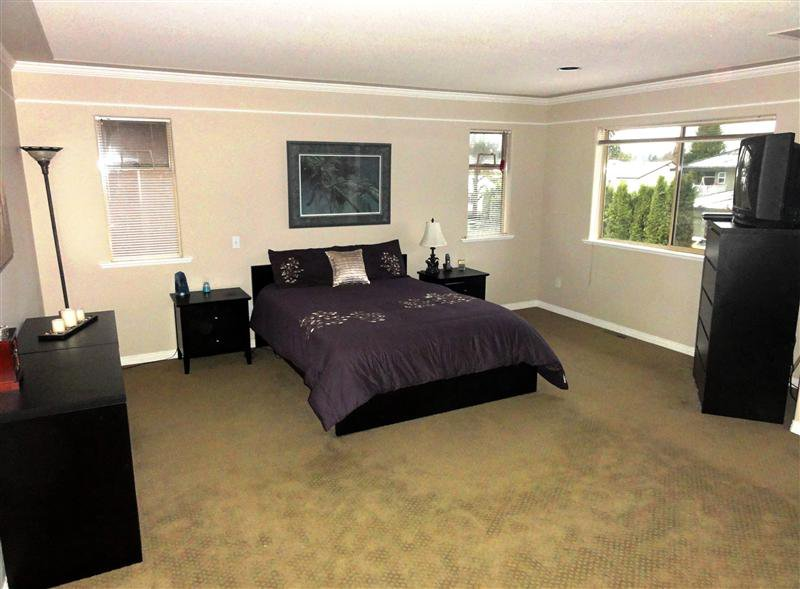 """Photo 10: Photos: 16923 103A Avenue in Surrey: Fraser Heights House for sale in """"Abbey Glen"""" (North Surrey)  : MLS®# F1228836"""