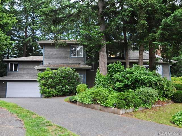 Main Photo: 860 Kelsey Crt in COMOX: CV Comox (Town of) House for sale (Comox Valley)  : MLS®# 643937