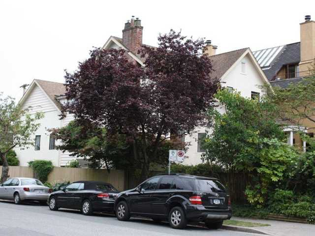 Main Photo: 1840 CREELMAN AV in : Kitsilano House for sale : MLS®# V966239